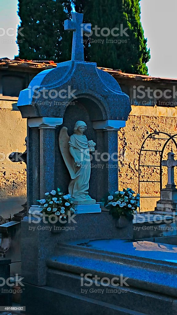 Autumn morning, Funerary sculpture in a  burial ground stock photo