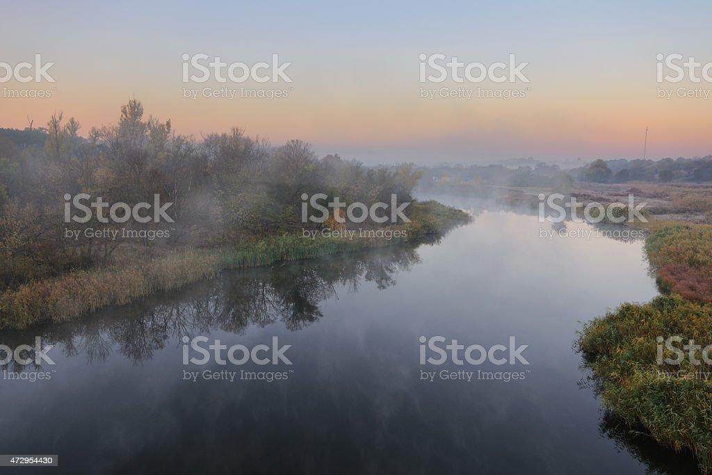 Otoño al río foto de stock libre de derechos