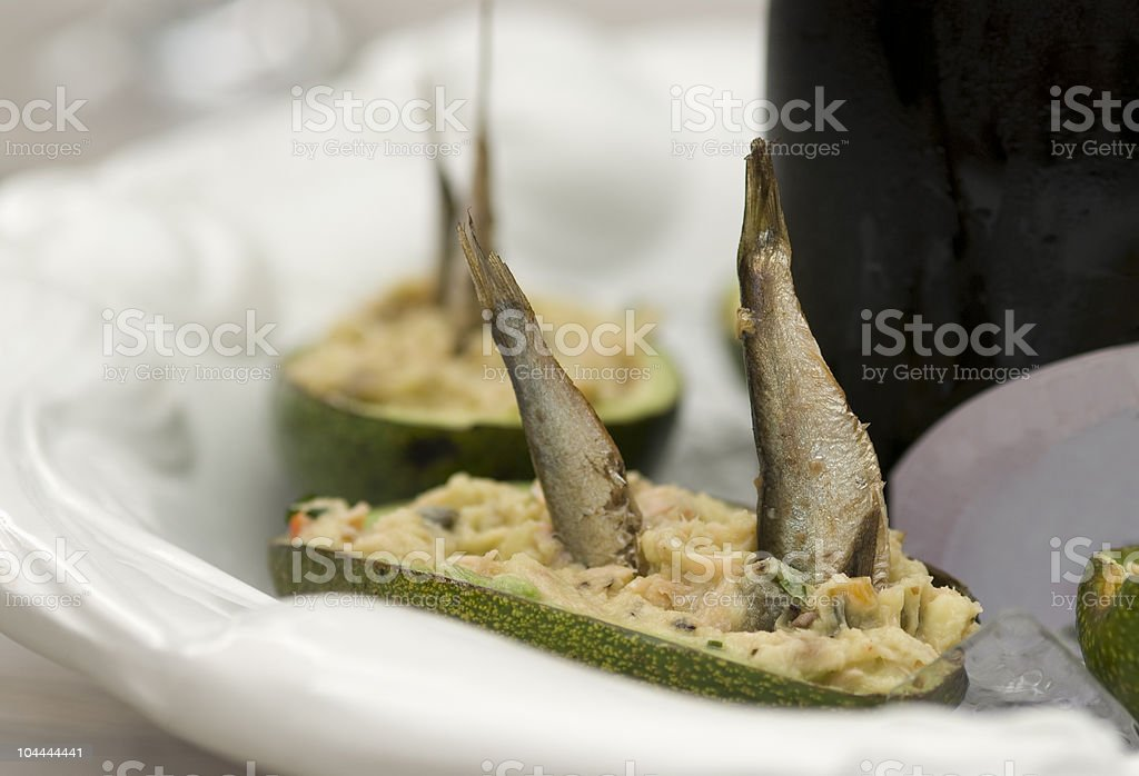 Avocado con anchovis foto stock royalty-free