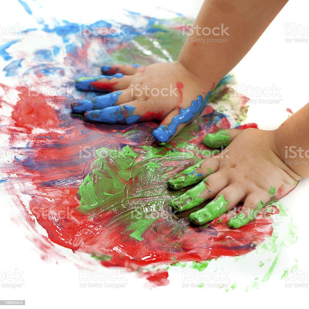 Bébé peinture mains. photo libre de droits
