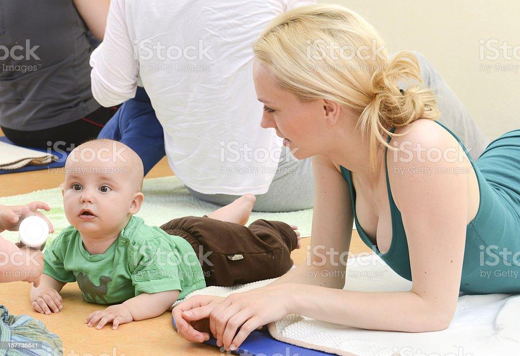 Baby Yogagroup - Krabbelgruppe oder Kita royalty-free stock photo
