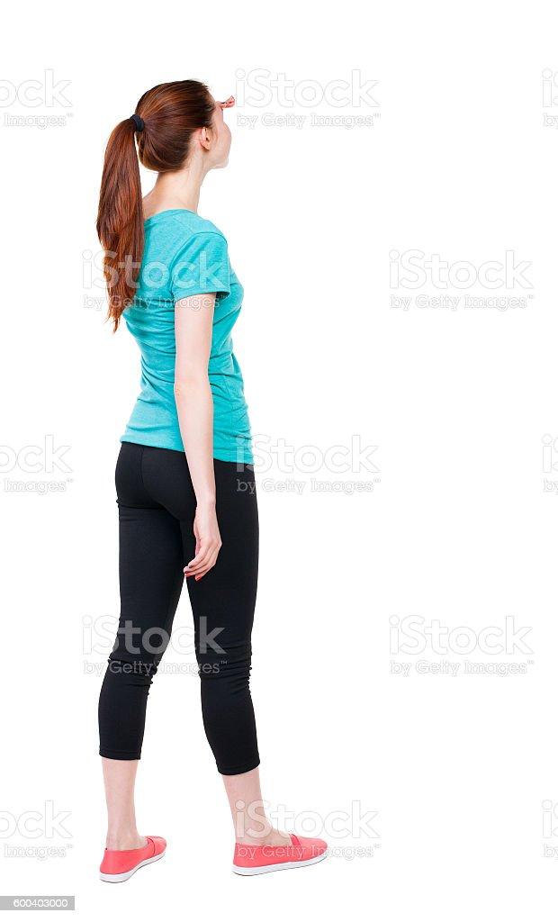 красивая девушка стоит сзади картинка