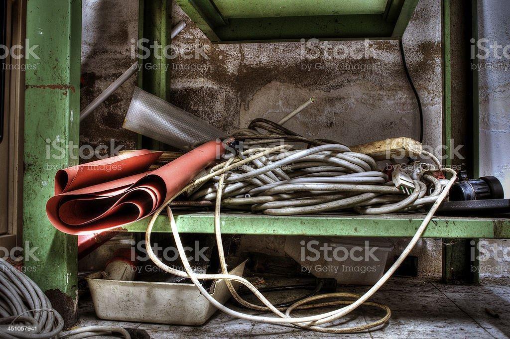 Banco di lavoro abbandonato stock photo