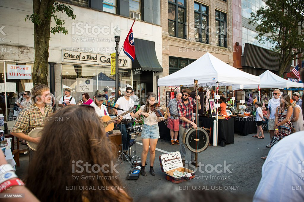 Band busking on State Street in Bristol, Tennessee/Virginia stock photo