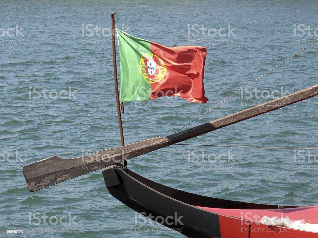 Bandeira de Portugal no Rio Douro stock photo