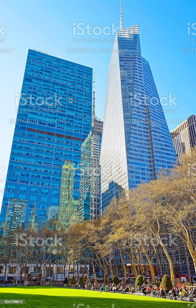 Bank of America skyscraper and Green Lawn in Bryant Park stock photo