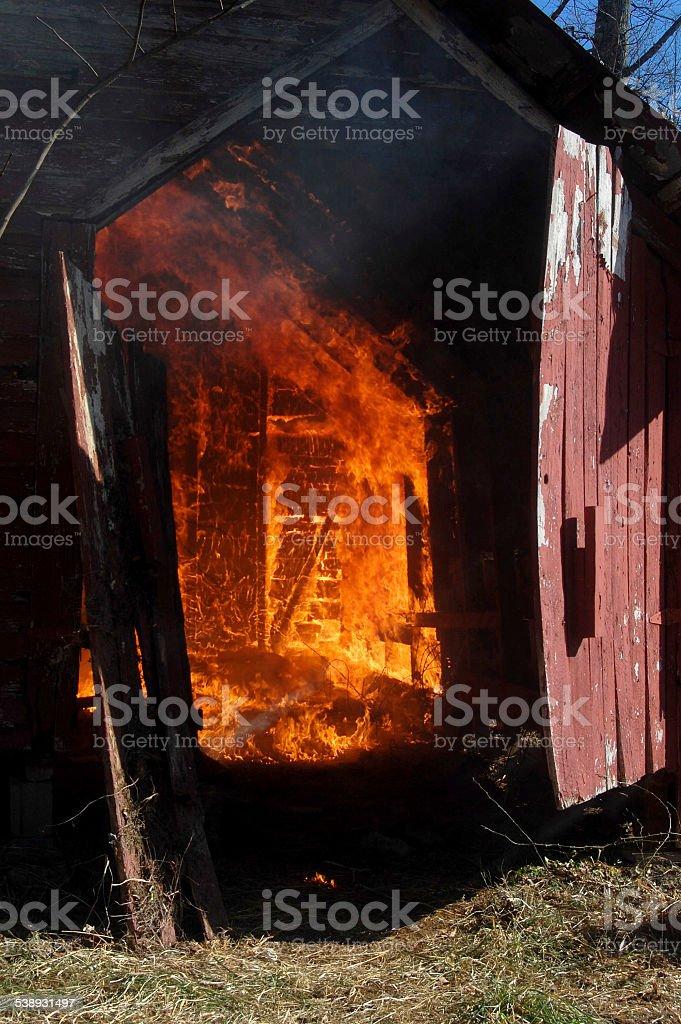 Fienile fuoco foto stock royalty-free