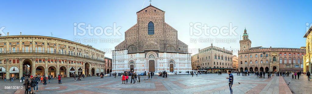 Basilica di San Petronio, Piazza Maggiore, Bologna stock photo