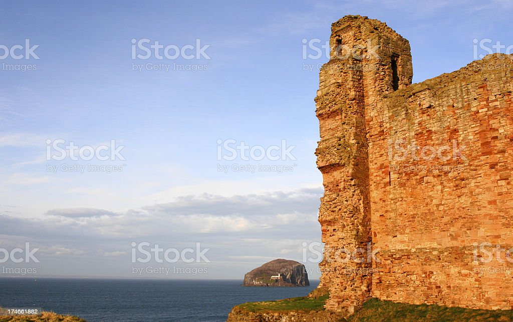Bass Rock and Castle ruins, Firth of Forth stock photo