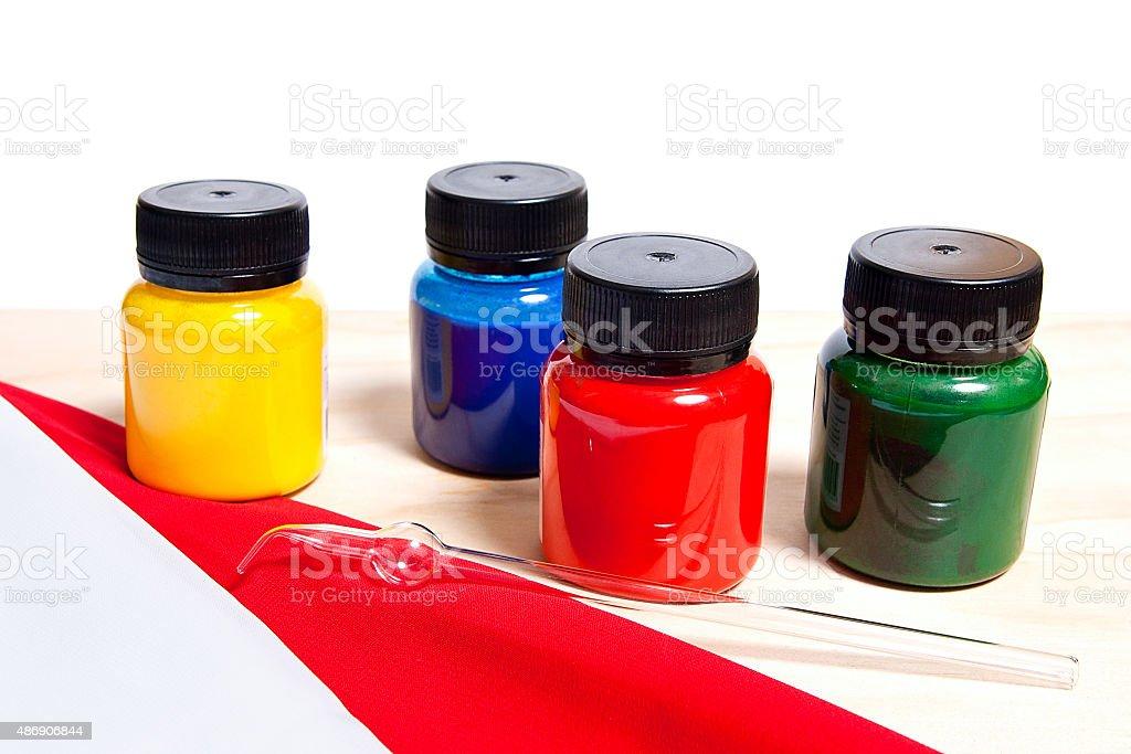 Batik equipo: Pinturas de artistas y tubo de vidrio. foto de stock libre de derechos