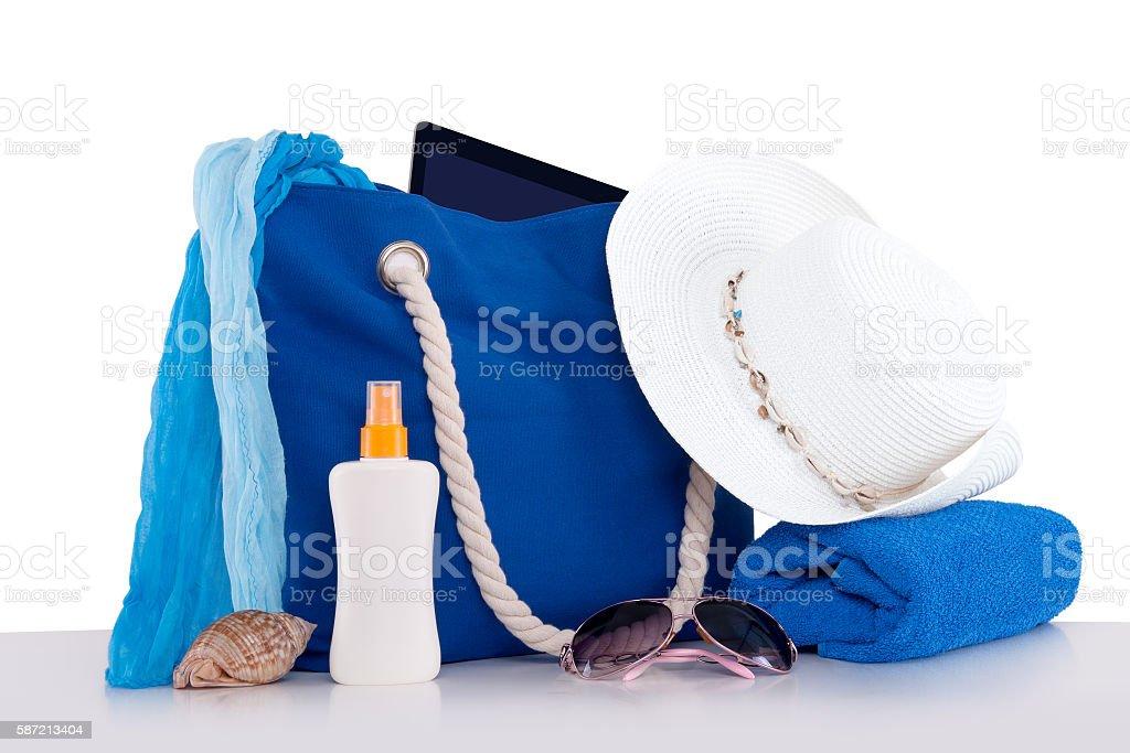 Sac de plage et des accessoires photo libre de droits