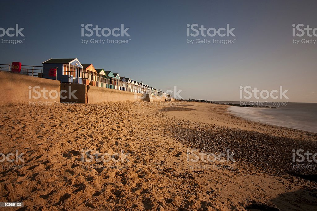 Strandhütten auf southwold dawn Lizenzfreies stock-foto