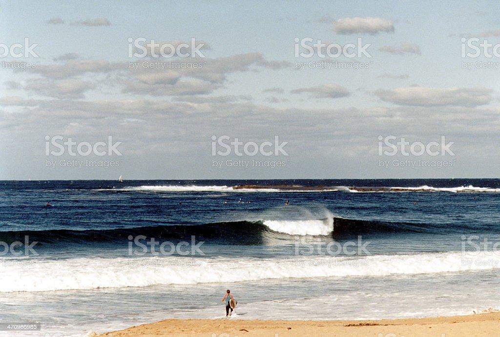 Playa surfer & foto de stock libre de derechos