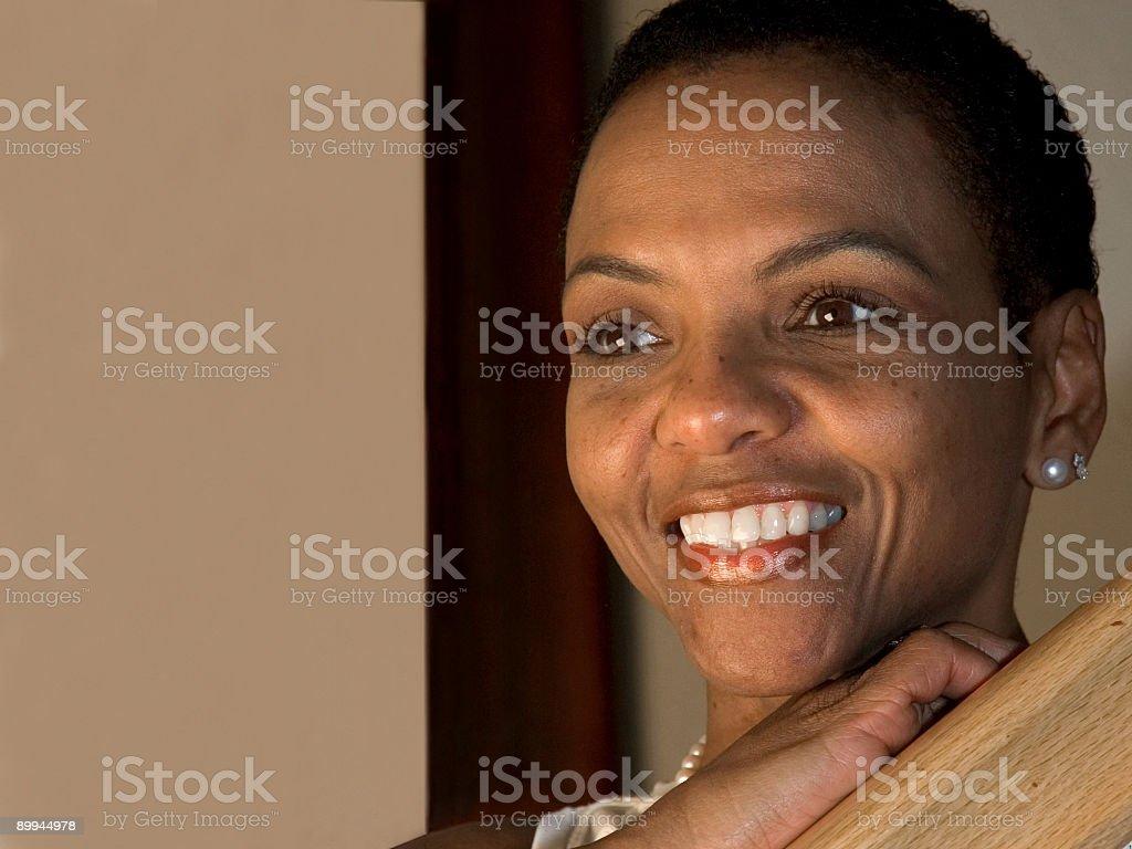 Bella donna afro-americana - 2 foto stock royalty-free