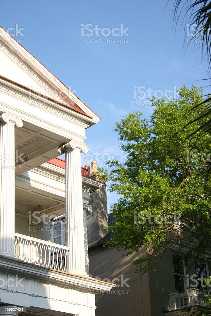 Hermoso balcón en Charleston, Carolina del Sur foto de stock libre de derechos