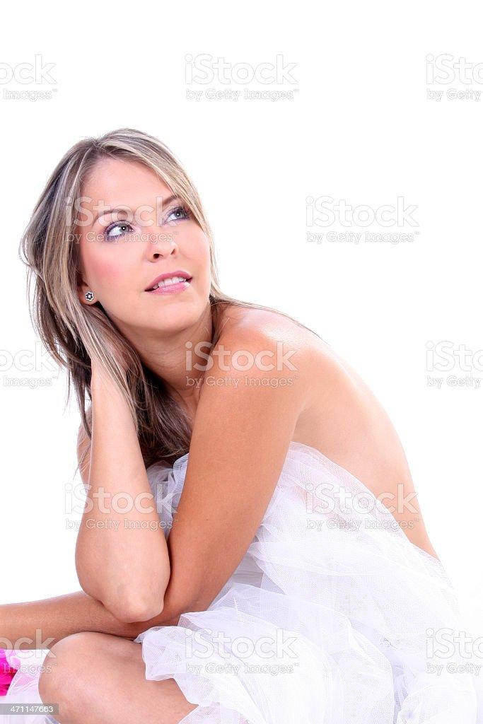 Hermosa rubia posando - foto de stock