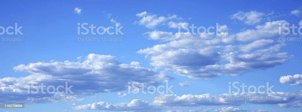 Schöne Wolkengebilde Lizenzfreies stock-foto