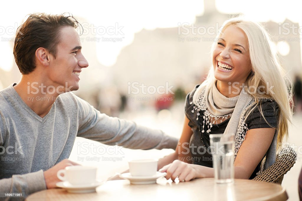 igra-butilochka-znakomstva-flirt-obshenie