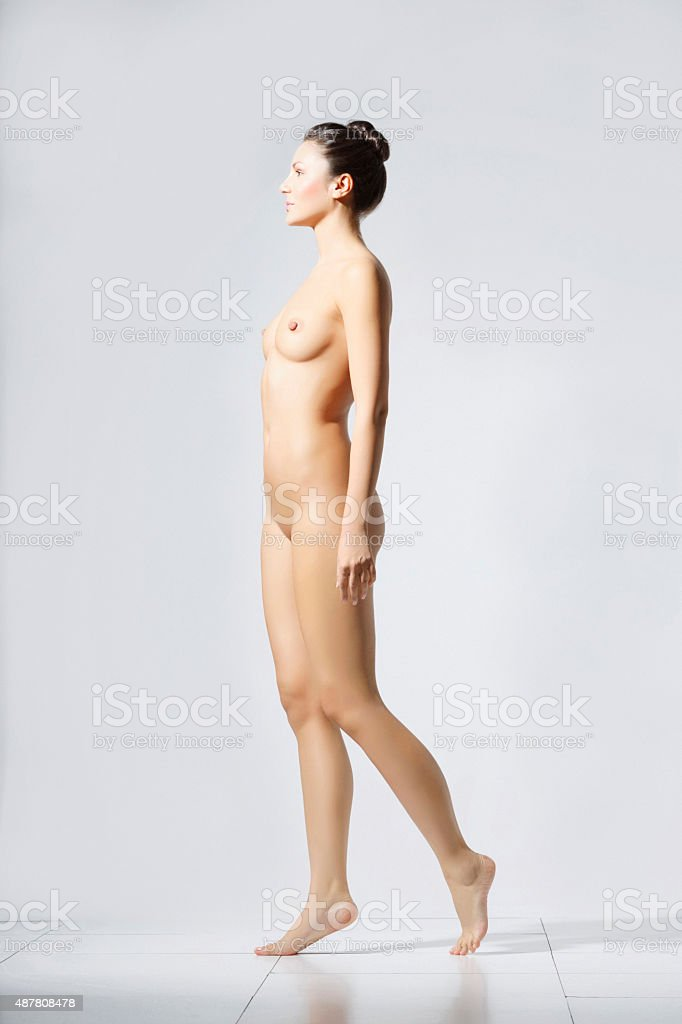 brünette frauen nackt