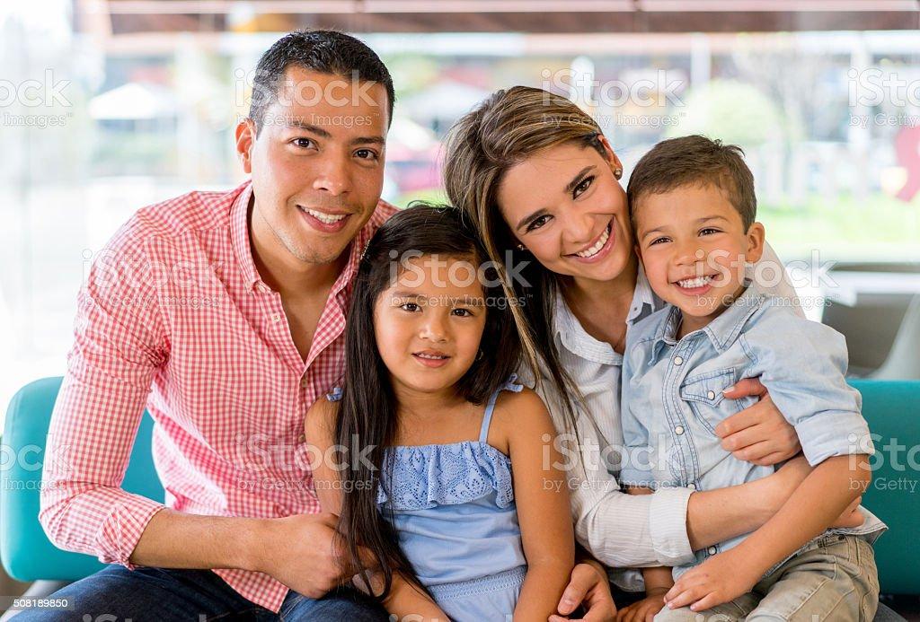 Beautiful family portrait - fotografia de stock
