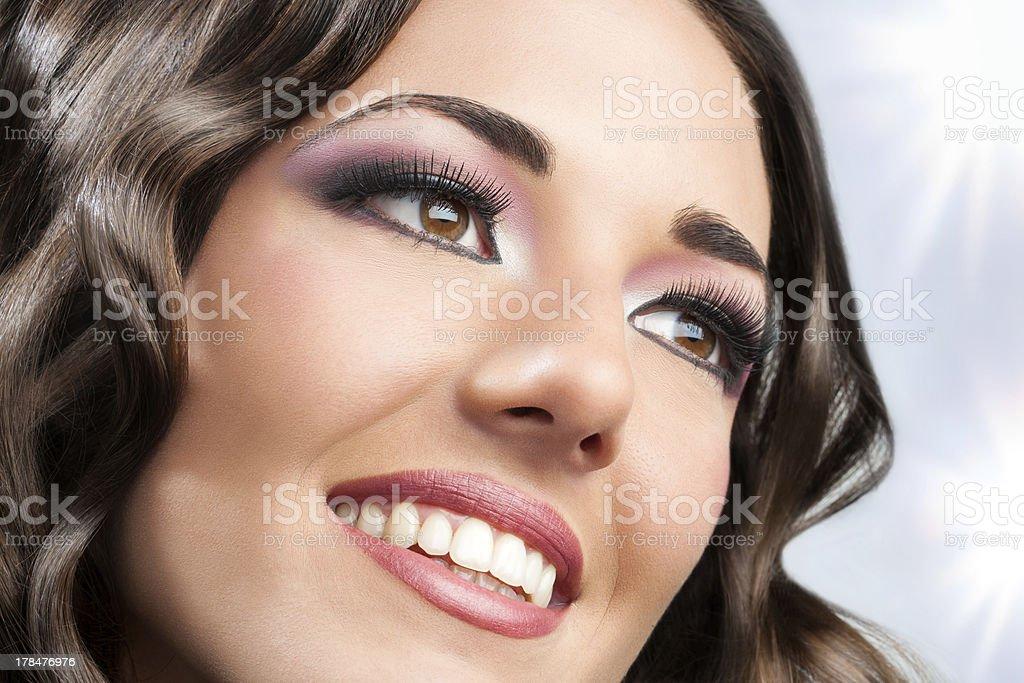 Beau visage féminin. photo libre de droits