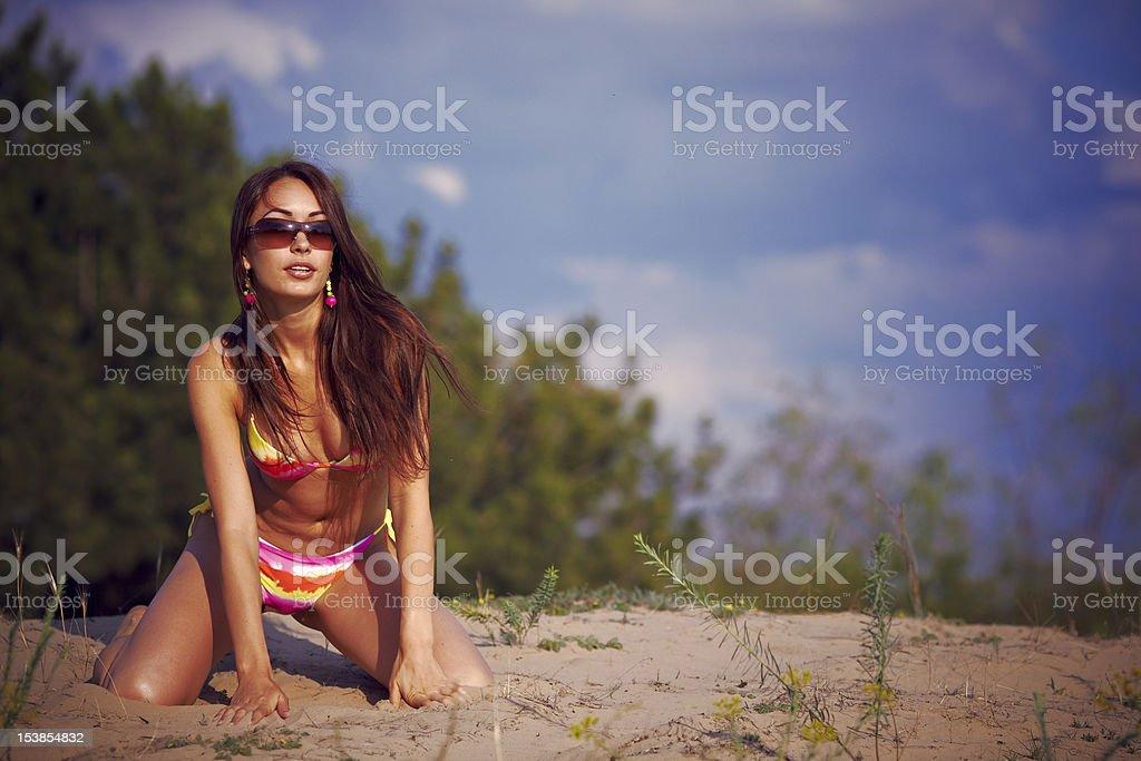 Bella ragazza in un bikini. foto stock royalty-free