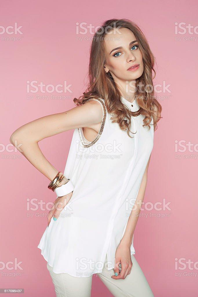 Девушка в бело розовом белье фото 151-766