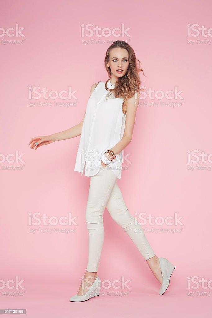 Девушка в бело розовом белье фото 151-643