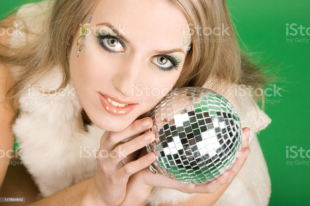 Linda Menina com bola de Prata foto de stock royalty-free