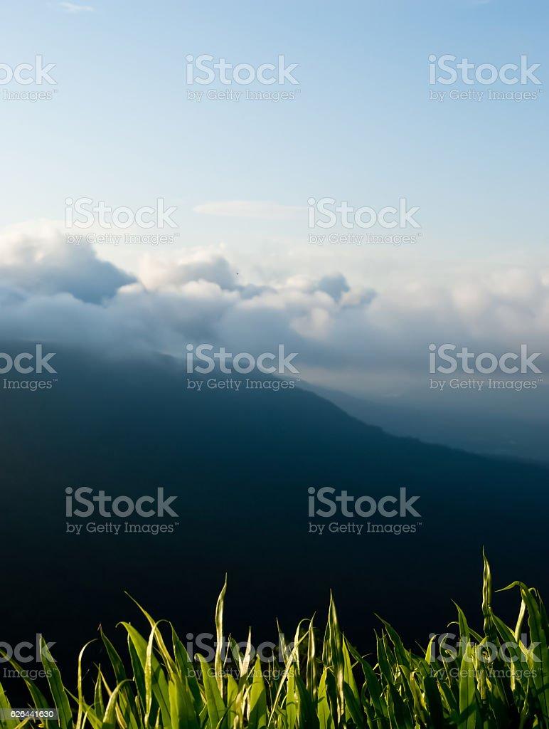 Piękne góry Krajobraz i chmura niebieski niebo zbiór zdjęć royalty-free