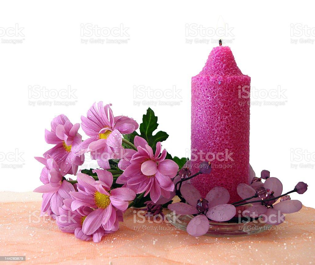 Linda vela com flores-de-rosa foto de stock royalty-free