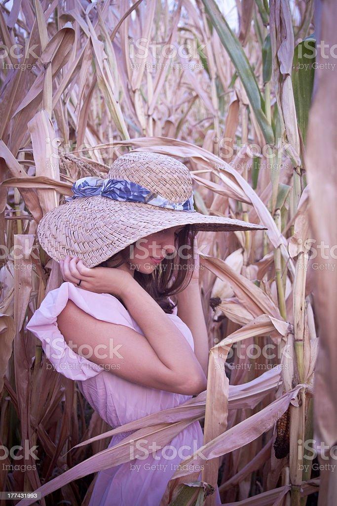 아름다운 부끄 키런 왜고너의 여자 루킹 침울 royalty-free 스톡 사진