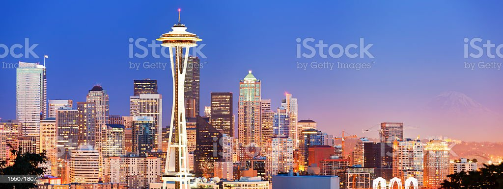 Beautiful skyline of the Seattle panorama at dusk royalty-free stock photo