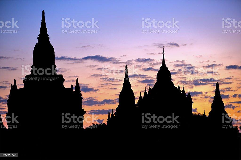 Wunderschönen Sonnenaufgang auf der Ebene von Bagan, Myanmar. – Foto