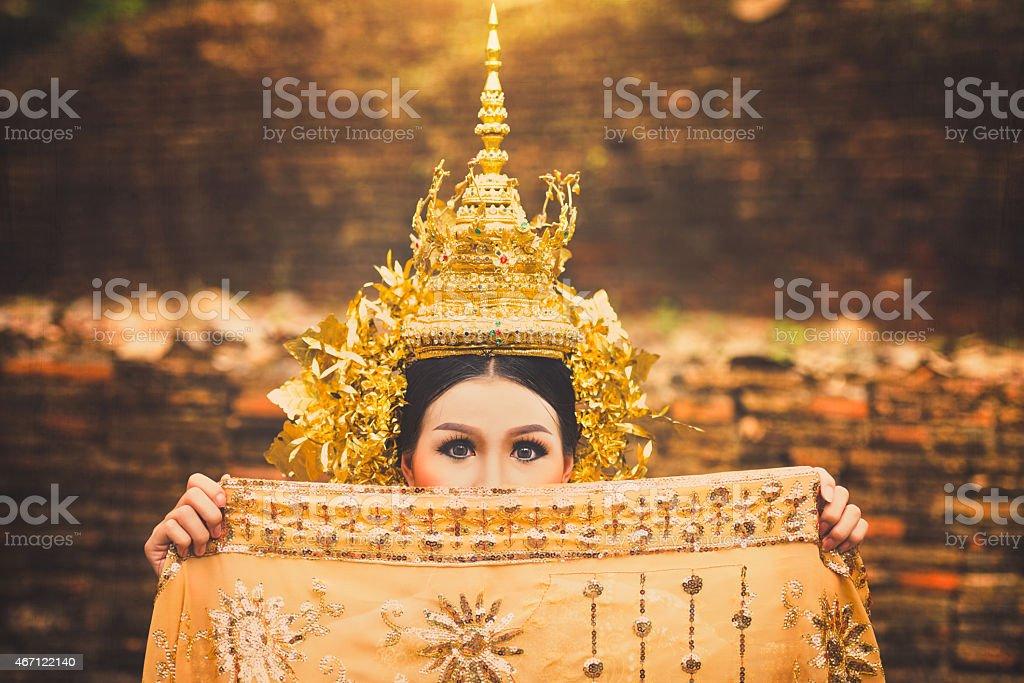 Wunderschöner thailändischer lady in traditionellen Thai-drama-Kleid Lizenzfreies stock-foto