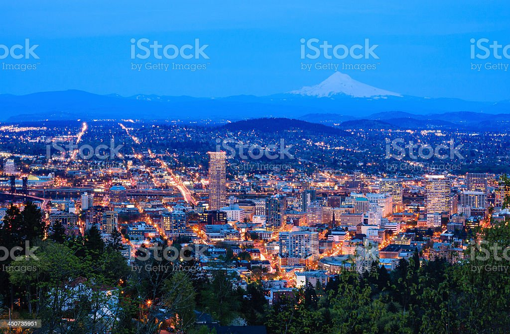 Beautiful view of Portland, Oregon at dusk stock photo