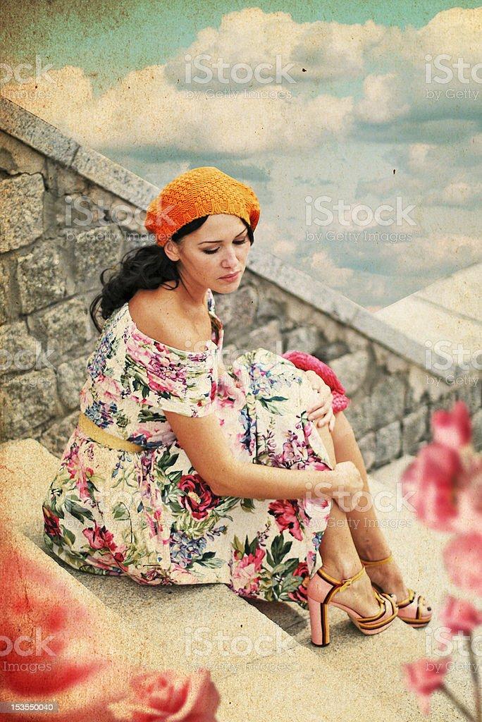 Hermosa joven en vestido perfecto foto de stock libre de derechos