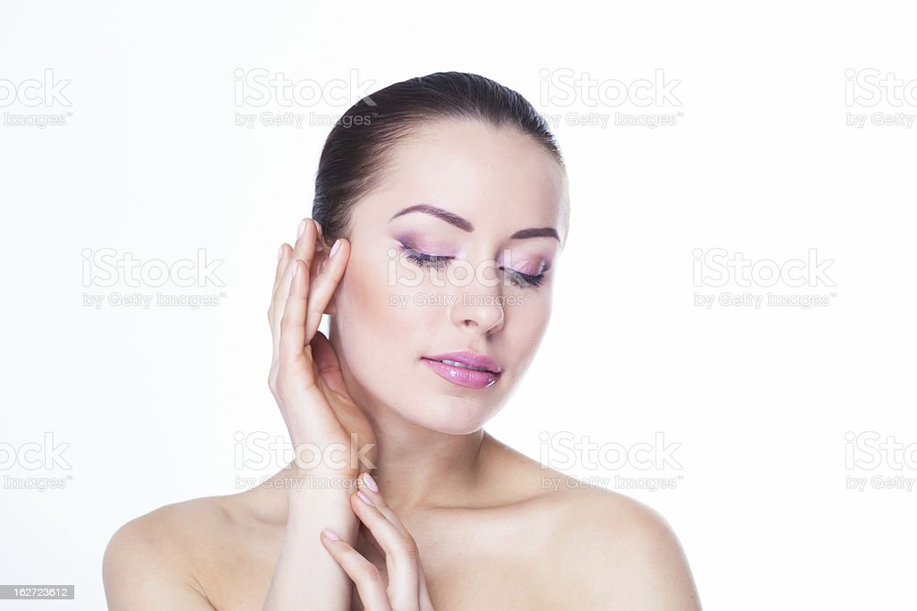 Schöne Junge Frau mit saubere Haut und Make-up Lizenzfreies stock-foto