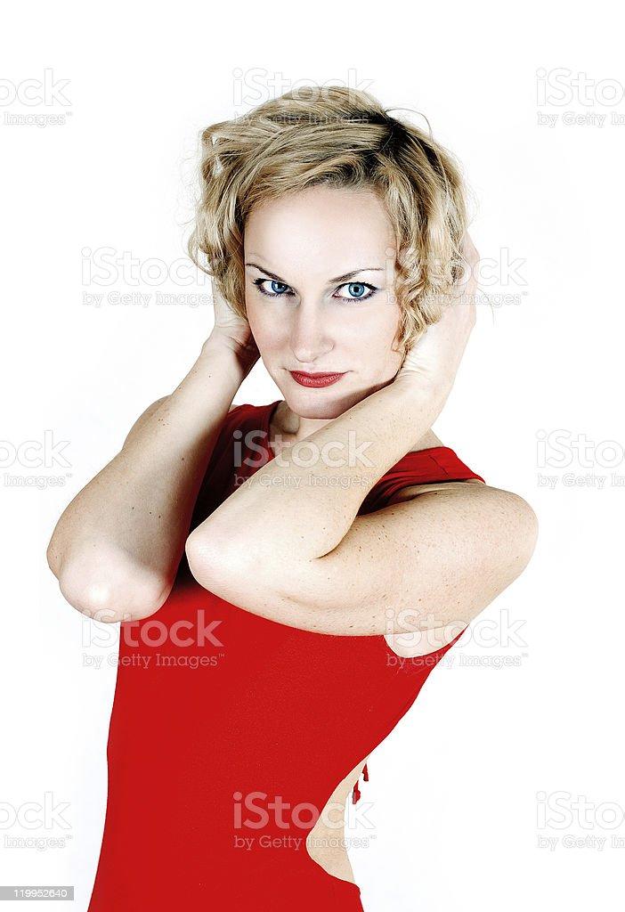 Belleza rubia en vestido rojo foto de stock libre de derechos