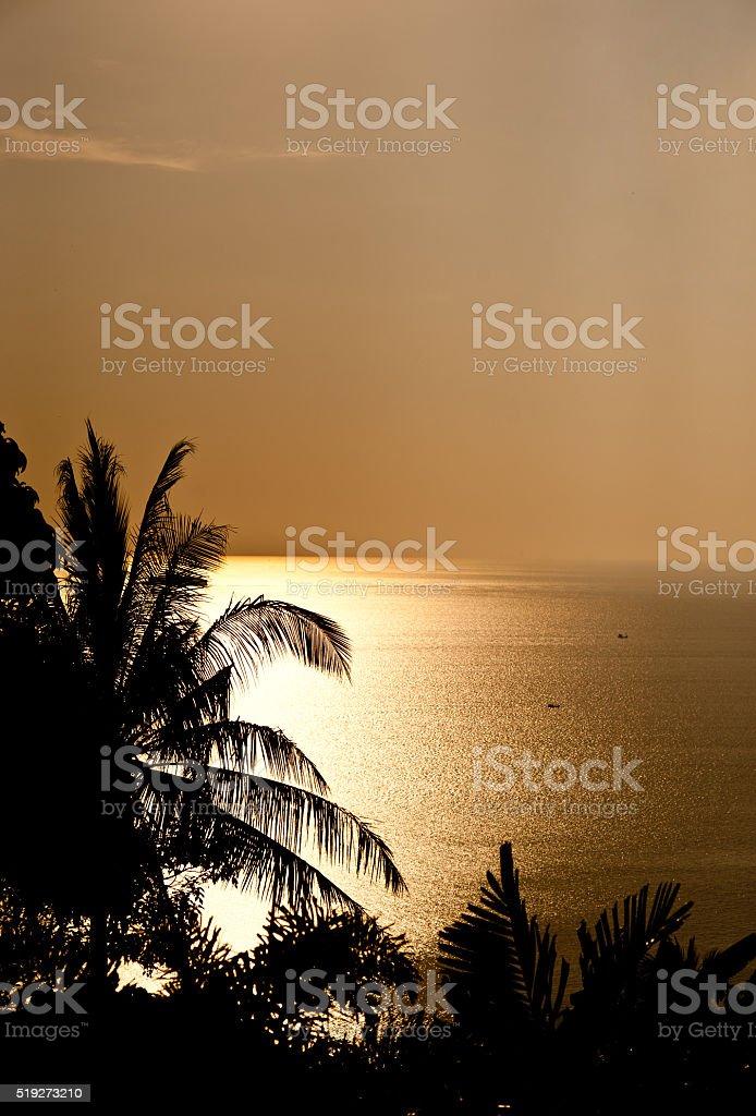 Przyrody Krajobraz z Złoty zachód słońca nad morzem w tle zbiór zdjęć royalty-free