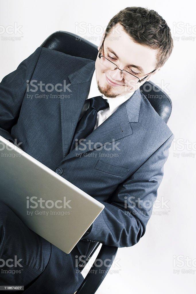 Belleza joven con la computadora portátil foto de stock libre de derechos