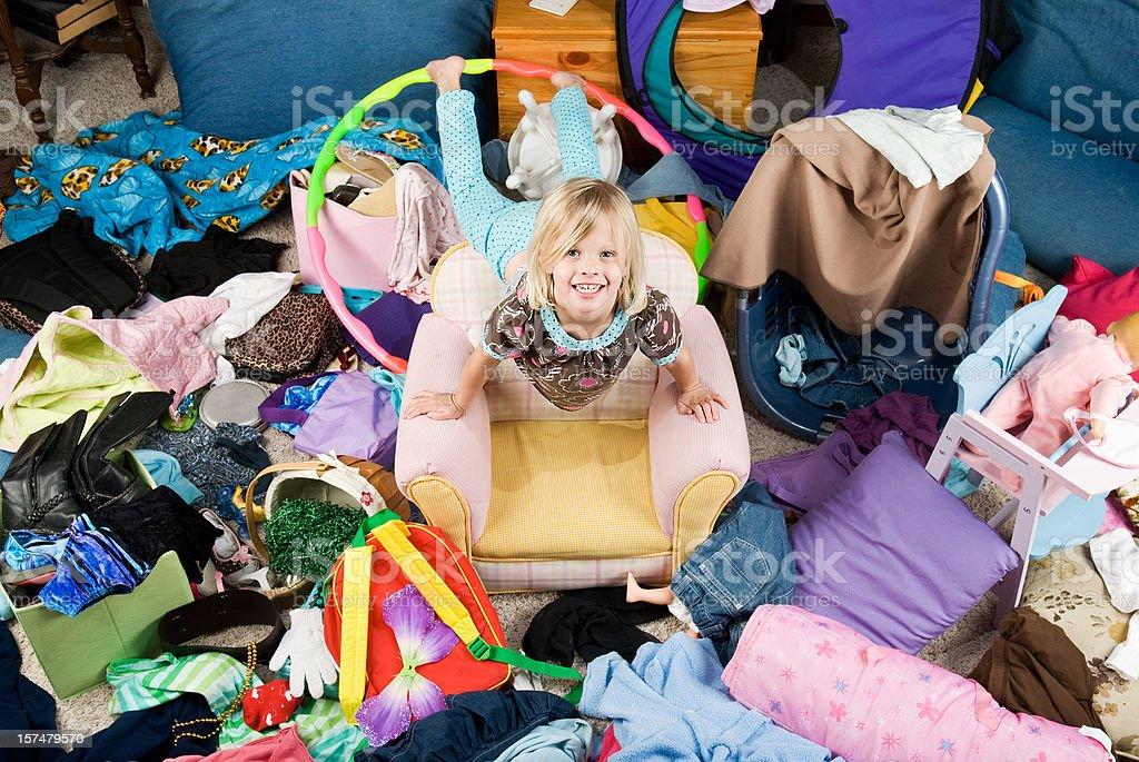 Schlafzimmer mit Mess Lizenzfreies stock-foto