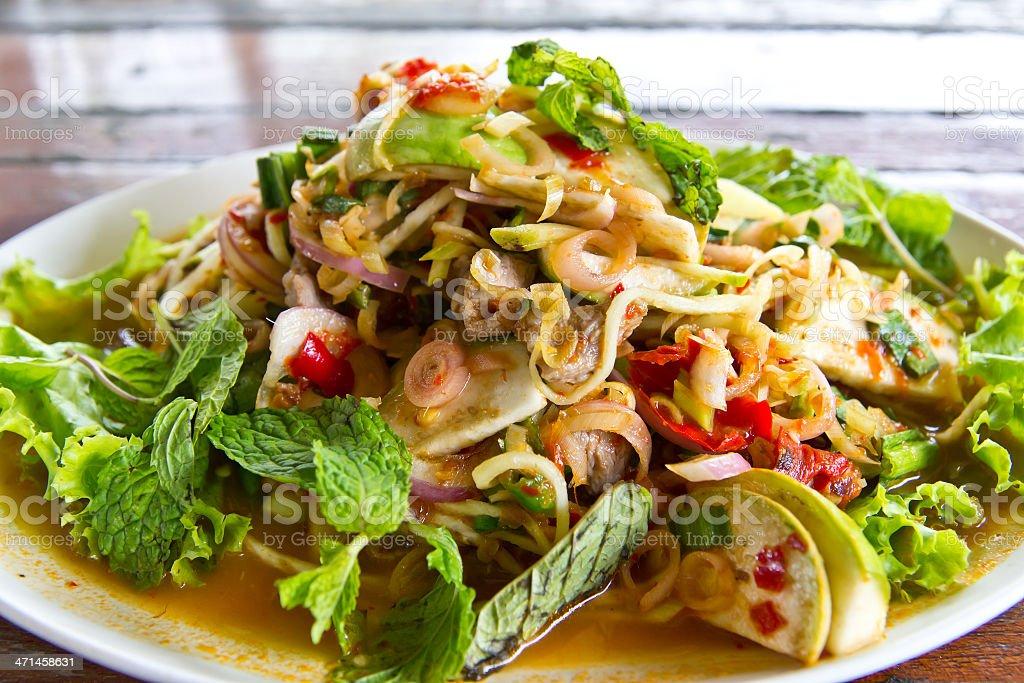 Manzo e peperoncino piccante Insalata Delizioso cibo thailandese foto stock royalty-free