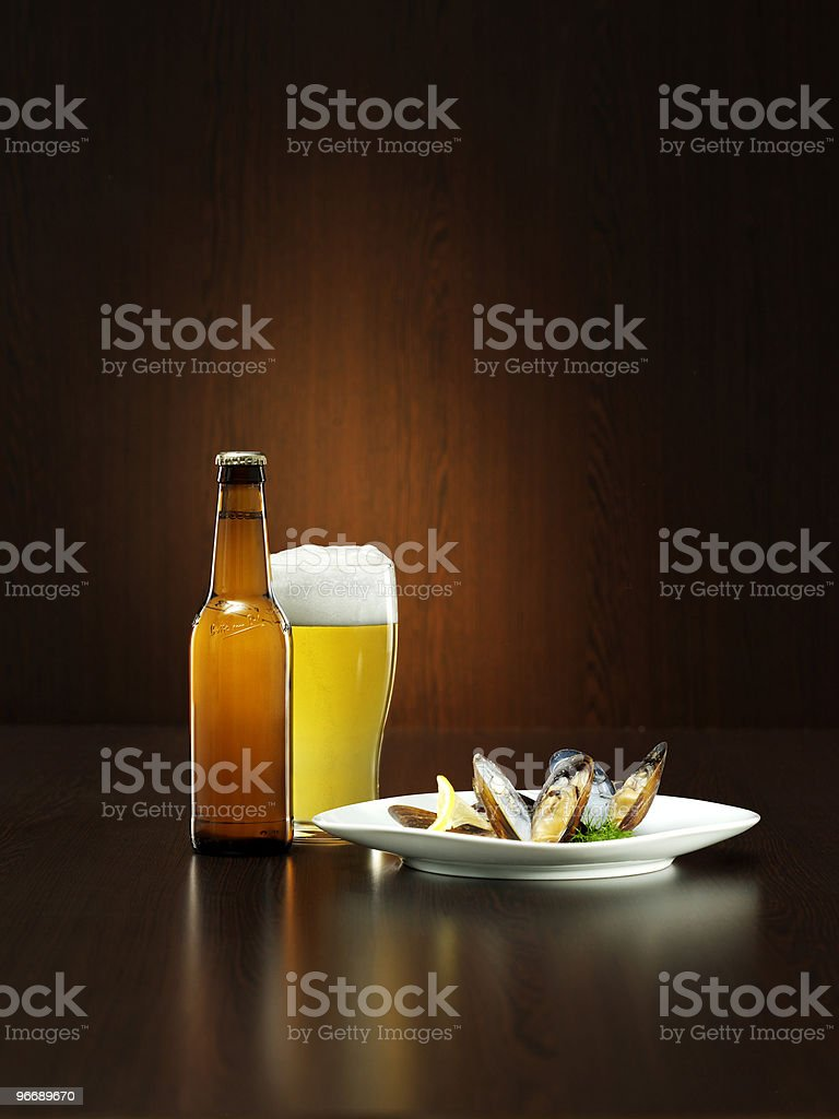 beer with mussels royalty-free stock photo