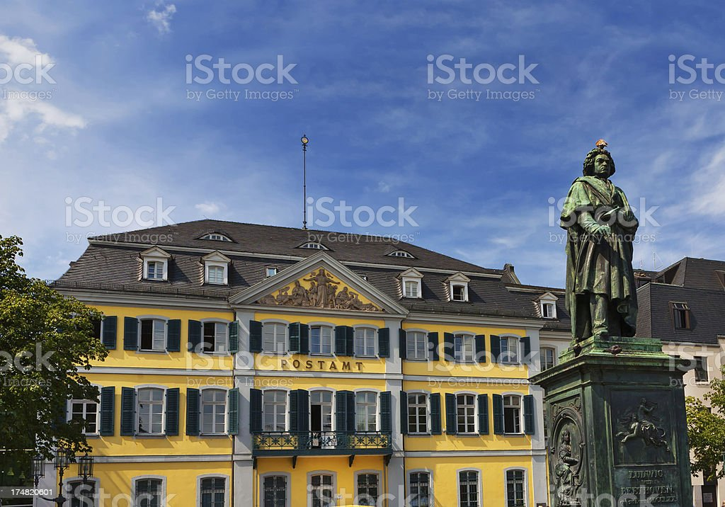 Beethoven Monument and post office on the Munsterplatz in Bonn stock photo