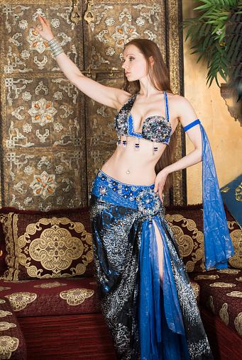 Belly clip dancer harem sexy video