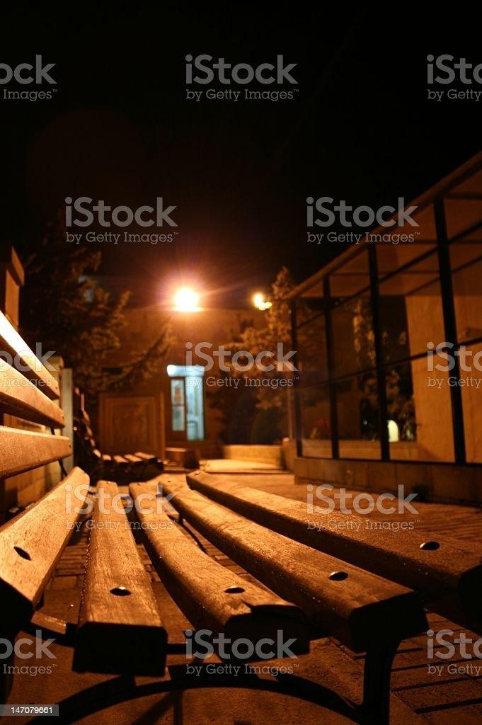 Ławka przez noc zbiór zdjęć royalty-free