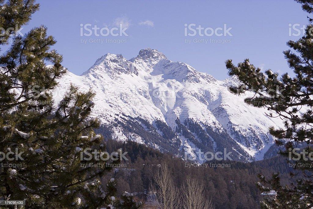 Berg im Naturrahmen royalty-free stock photo