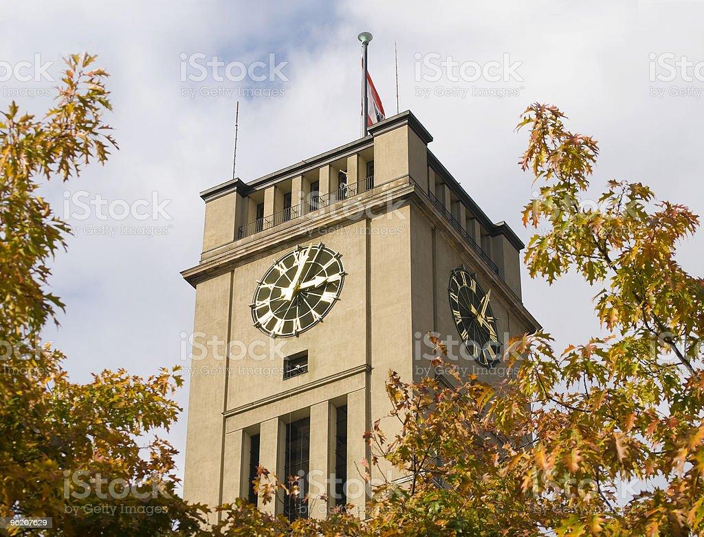Berlin City Hall em um dia de outono brilhantes foto de stock royalty-free