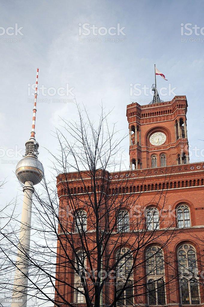 Berlin - Das Rote Rathaus mit Fernsehturm stock photo